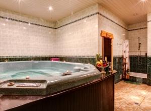 Снять сауну в Липецке с бассейном, сауна тургау Липецк фото